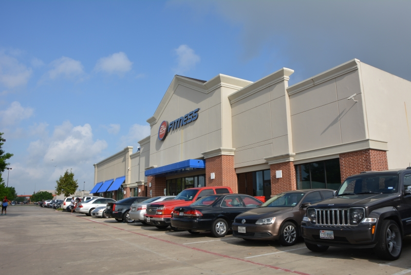 Commercial - 24 Hour Fitness Pearland, TX front view1